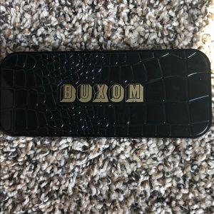 Buxom custom palette